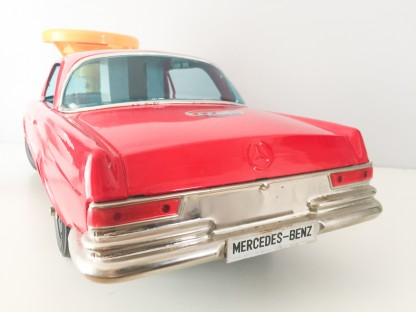 Ichiko Ridable Mercedes Benz 300SE